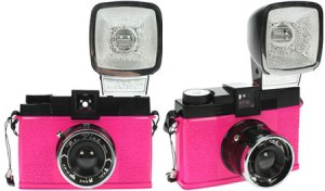 diana-fmr_pink_camera